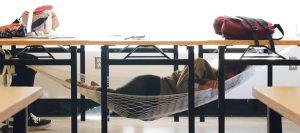 12 gadgets insolites pour faire la sieste au bureau