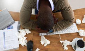 Arrêt maladie : 19% des salariés retournent au travail quand même