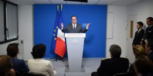Premier bilan mitigé du plan de 500000formations de François Hollande