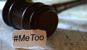 """Harcèlement sexuel au travail : une enquête dresse le """"profil"""" des victimes"""